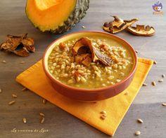Con queste giornate fredde, una zuppa di farro calda e invitante non può proprio mancare...e intanto ci facciamo anche del bene in quanto molto salutare.