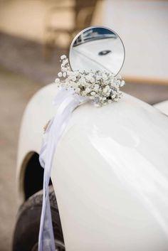 Wedding car decoration or princess carriage Bridal Car, Bridal Wedding Shoes, Wedding Pins, Wedding Day, Wedding Car Ribbon, Wedding Mirror, Just Married Car, Wedding Car Decorations, Princess Carriage