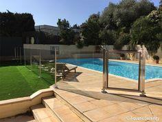 Exemple de Barrière piscine Océanix Pool Fence, Jacuzzi, Outdoor Spaces, My House, Swimming Pools, Sweet Home, Villa, Deck, Backyard