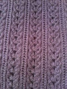 Discover thousands of images about Just the photo no pattern. Can't tell if the garter stitch is a neck band or an armhole. The lace is nice Knitting Stiches, Sweater Knitting Patterns, Free Knitting, Knit Crochet, Crochet Hats, Makeup Wipes, Mens Activewear, Travel Size Products, Lana