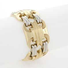 Retro 18 karat Yellow and White Gold Link Bracelet A Retro 18 karat gold bracelet. The bracelet is composed of alternating three-dimensional geometric links in yellow with double white gold connecting links. Mens Diamond Bracelet, Mens Gold Bracelets, Gold Link Bracelet, Link Bracelets, Bangle Bracelets, Bangles, Metal Jewelry, Jewelry Art, Antique Jewelry