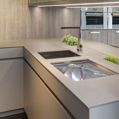 NEOLITH Countertop (Barro model). 100% natural, hygienic, lightweight, waterproof, eco-friendly, durable and easy to clean.