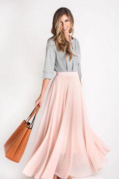 grey + pink, con bolso y zapatos en plata ;)
