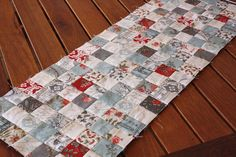 Nifty strip-piecing trick @ Bloom use jelly roll Quilting Tips, Quilting Tutorials, Quilting Projects, Sewing Projects, Sewing Tips, Sewing Tutorials, Sewing Ideas, Strip Quilts, Easy Quilts