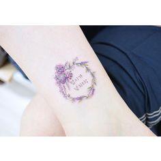 : 생일기념으로 본인 이름 뜻과 월계관을 새기셨습니다 :) . . #tattooistbanul #tattoo #tattooist #tattooing #drawing #laurel #laureltattoo #letteringtattoo #design #tattoomagazine  #tattooartist #tattoostagram #tattooart #inkstinctsubmission #tattooinkspiration #타투이스트바늘 #타투 #월계관타투 #꽃타투 #라벤더