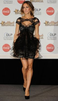 #Sarah Jessica Parker. wearing #Marchesa