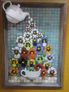 Resultado de imagen de Mosaic dog by Solange Piffer Mosaic Wall Art, Mosaic Glass, Mosaic Tiles, Glass Art, Stained Glass, Hobbies And Crafts, Diy And Crafts, Arts And Crafts, Mosaic Crafts