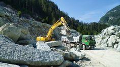 Verde Andeer oder auch #Andeerer #Granit wird hier am Rande des Dorfes von zwei Betrieben abgebaut und verarbeitet.