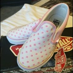 ⚡️FINAL PRICE ✨Toddler Girls Vans Classic Slip Ons NWT Super cute. White with pink stars. Size 11. Never worn, has some discoloring in front lining and top of flap on left shoe due to being in storage. Shoes come in original box. NO OFFERS PLEASE. FINAL PRICE. Vans Shoes