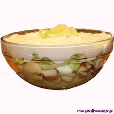Porree-Salat ein fruchtiger, vegetarischer Porree-Salat mit gekochten Eiern vegetarisch glutenfrei Taco Salat, Dressings, Pudding, Desserts, Food, Pineapple, Lettuce Recipes, Salads, Glutenfree