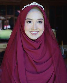 Muslim Wedding Gown, Muslimah Wedding Dress, Hijab Wedding Dresses, Disney Wedding Dresses, Hijab Bride, Muslim Dress, Dream Wedding Dresses, Wedding Hijab Styles, Muslim Brides