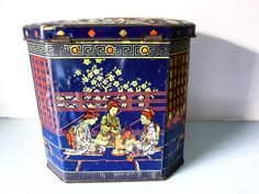 Old tin Vintage tea caddy Japanese tea caddy collectible Tea Tins, Tea Caddy, Chinese Tea, Vintage Tins, Antique Art, I Shop, Oriental, Decorative Boxes, Canisters