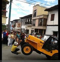 ¡¡¡EL YIPAOO EN QUIMBAYA-QUINDIO,CIUDAD COLOMBIANA!!!!