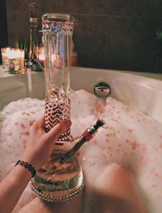 evanescenxx:  late night bath