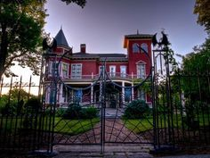 Maine - A resident of Bangor, Stephen King's house - check out the bats on the fence!