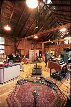 Home studio music room interior design ideas Home Studio Setup, Music Studio Room, Sound Studio, Studio Interior, Room Interior, Home Studio Musik, Home Music Rooms, Interior Ceiling Design, Rehearsal Room