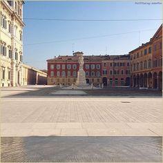 """""""Città che cambiano"""" La #PicOfTheDay #turismoer di oggi si affaccia sulla nuova #PiazzaRoma di #Modena  Complimenti e grazie a @stefifre @mymodenadiary / """"Cities that change"""" Today's #PicOfTheDay #turismoer overlooks the new #PiazzaRoma in #Modena  Congrats and thanks to @stefifre @mymodenadiary"""