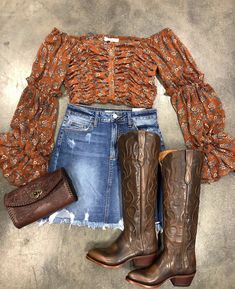 at outfit Kathleen Hopkins-Elam El Potrerito Source by country outfits Cute Cowgirl Outfits, Country Concert Outfit, Country Style Outfits, Southern Outfits, Rodeo Outfits, Country Fashion, Western Outfits, Dance Outfits, Western Wear