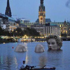 """Badenixe"" (bathing beauty) sculpture in Hamburg, Germany"