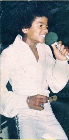 A George Vreeland Hill pin. Paris Jackson, Jackson Family, Janet Jackson, Michael Love, Prince, The Jacksons, King Of Music, Archangel Michael, Juni