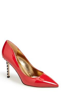 44 Red Shoes To Look Cool new season- 44 Red Shoes To Look Cool - Pretty Shoes, Beautiful Shoes, Cute Shoes, Me Too Shoes, Lady, All About Shoes, Red Shoes, Red Pumps, Look Cool