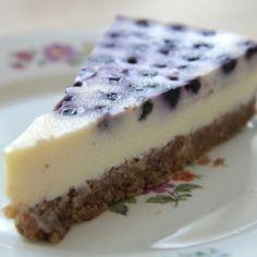 Áfonyás sajttorta recept (Blueberry Cheesecake) Blueberry Cheesecake, Summer Desserts, Cakes And More, Tiramisu, Oreo, Food Porn, Cooking Recipes, Sweets, Meals