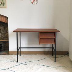 Bureau moderniste vintage, Tawara -en vogue- Nantes Armoire, Office Desk, Vogue, Furniture, Home Decor, Nantes, Dresser, Chart, Desk