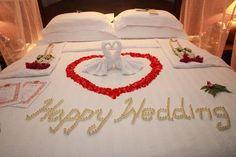 Wedding Night in Bed | Bo Phut Resort & Spa Photo: Bed decoration on wedding night