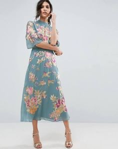 floral.embroidered dress