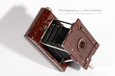 https://flic.kr/p/bjJUz5 | Kodak Hawkette | Kodak No. 2 Hawkette. Manufactured ca. 1930's in Bakelite and Kodak's first plastic-bodied camera. Whilst it uses 120 film this is one for display only, I think.  Image taken on Canon 40D & EF-S 60mm f/2.8 Macro.  Blogged here