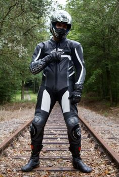 Bike Suit, Motorcycle Suit, Biker Leather, Leather Men, Best Motorbike, Motorbike Leathers, Bike Rider, Helmets, Motorbikes