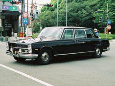 画像 Vintage Auto, Vintage Cars, Datsun Car, Nissan Infiniti, Funny Cars, Japanese Cars, Car Humor, Limo, Old Cars