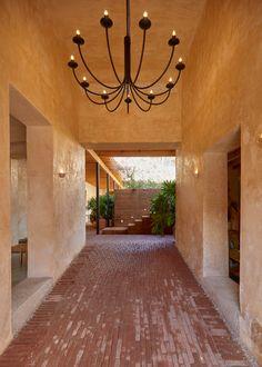 Photo gallery of Hotel Escondido Oaxaca in Oaxaca - Design Hotels™ Luz Natural, Best Boutique Hotels, A Boutique, Hotels And Resorts, Best Hotels, Amazing Hotels, Oaxaca City Mexico, Underground Bar, Visit Mexico