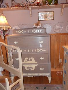 Cream and Coco Chalk Paint® decorative paint by Annie Sloan