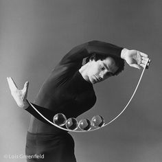 Via Lois Greenfield Photography : Dance Photography : Michael Moschen Dance Photography, Light Photography, Lois Greenfield, Gothic Vampire, Circus Art, 1980s, Commercial, Action, Ballet