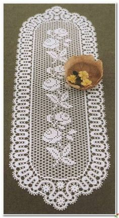 It is a website for handmade creations,with free patterns for croshet and knitting , in many techniques & designs. Crochet Table Runner Pattern, Crochet Motif Patterns, Filet Crochet Charts, Crochet Tablecloth, Crochet Dollies, Crochet Lace, Tapete Crochet, Seed Bead Crafts, Fillet Crochet