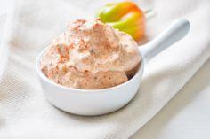 Dieser Paprikaaufstrich ist ideal für eine Jause oder als Dip. Dieses Rezept lässt sich gut vorbereiten.