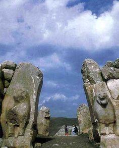 Lion Gate-Hittite BC XIV-Bogazkoy, Corum by Gultekin Cizgen - Civilizations of Turkey - Images - Picture Gallery - Travelers' Stories About Turkey