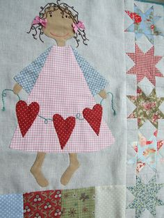 Crib quilt or little girl's quilt idea Putt this on a girls dress and it will make it extra special. Sewing Appliques, Applique Patterns, Applique Quilts, Quilt Patterns, Small Quilts, Mini Quilts, Baby Quilts, Patch Quilt, Quilt Blocks