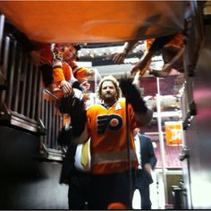 Scott Hartnell of the Philadelphia Flyers ❤ Still sinking in that he's not a Flyer anymore :(