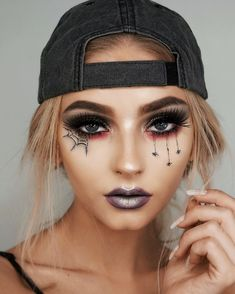 43 Trendy Clown Makeup Ideas for Halloween 2019 Maquillage Halloween Zombie, Cute Halloween Makeup, Halloween Looks, Halloween 2019, Halloween Diy, Halloween Eyeshadow, Halloween Nails, Halloween Costumes, Crazy Makeup