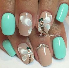 Butterfly nail art designs are loved by women because of its cute, colorful, beautiful patterns and symbolic significance, or simply because the design of butterfly nails has produced attractive effects on nails. Simple Nail Art Designs, Best Nail Art Designs, Easy Nail Art, Cool Nail Art, Fancy Nails, Cute Nails, Pretty Nails, Green Nail Art, Green Nails