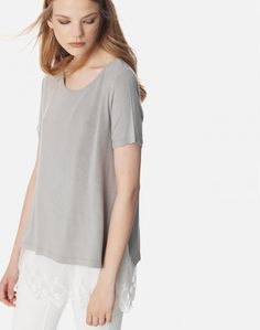 Διπλή μπλούζα με δαντέλα Tunic Tops, T Shirts For Women, Fashion, Moda, La Mode, Fasion, Fashion Models, Trendy Fashion