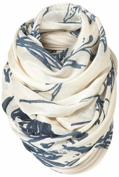 pretty scarves-- light, and feminine simple pattern. Look Fashion, Fashion Beauty, Autumn Fashion, Womens Fashion, Fashion Ideas, Cute Scarfs, Look Chic, Swagg, Dress To Impress