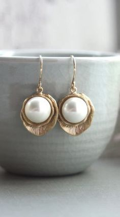 List 11 Greek-Style Pearl Earrings – Top Pretty Design From Famous Fashion Blog - DIY Craft (3)