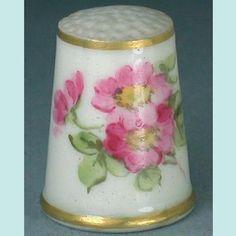 Antique English Royal Worcester Wild Rose Porcelain Thimble; Circa 1913