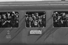 Osterhasen dargestellt von Rhythmikschülern Trains, Smokers, Easter Bunny, Viajes, Train