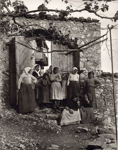 Vintage Photos Of Greece In The Early Century - Page 2 of 2 - Best of Web Shrine Greece Pictures, Old Pictures, Old Photos, Vintage Photos, Arcadia Greece, Greece History, Old Greek, Greece Photography, Vintage Italy