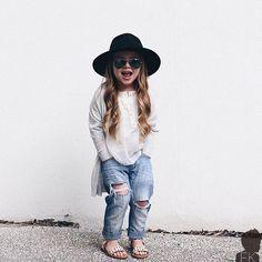 By @thedaddyfashionstylist #postmyfashionkid #fashionkids WWW.FASHIONKIDS.NU