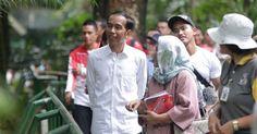 Jokowi Diminta Penjelasan soal Biaya keluarganya yang ikut kunjungan kerja ke Turki dan Jerman  ForumViral.com - Deputi Sekjen Forum Indonesia untuk Transparansi Anggaran (Fitra) Apung Widadi mendorong Presiden Joko Widodo atau pihak Istana Kepresidenan transparan soal keluarga Jokowi yang ikut kunjungan kerja ke Turki dan Jerman.  #Jokowi #BapakMintaProyek #Kaesang #Ahok #kafir #Berita Viral #Berita Terkini #Berita Online #Berita Terpercaya #Forum Viral Berita #Berita Terupdate #Viral…